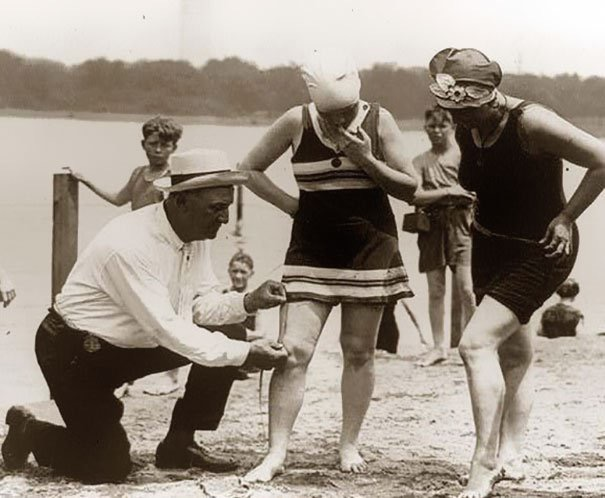 bathing-suits-1920-fined med hr