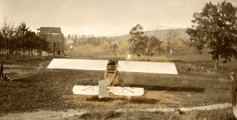 First airplane to land in Brandon Park Williamsport